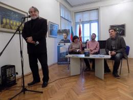 """Представяне на книгата """"Всеки със своето езеро"""" на Ненад Йолдески в КИЦ на РСМ в София (фотография)"""