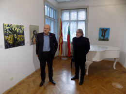 Специалният пратеник д-р Владо Бучковски в посещение на КИЦ на РСМ в София (фотография)