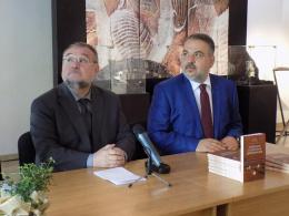 """Представяне българското издание на книгата """"Публична и културна дипломация"""" (фотография)"""