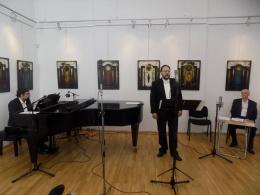 Македонска вечер с баритона Ристе Велков, поета Томе Велков и художника Мариян Дзин (фотография)