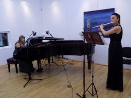 """Концерт """"Вечер на македонски автори"""" на Златка Митева - флейта и Наташа Търбойевич - пиано (фотография)"""
