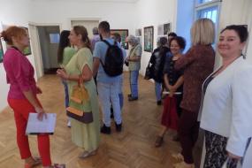 """Изложба """"Концепти за урбани пеjзажи"""" на Катерина Деспот и Васка Сандева во КИЦ на РСМ во Софиja (фотографиja)"""