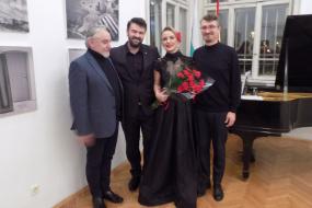 Новогодишен концерт на Шкељзен Бафтиари, Бесиана Мехмеди и Шкодран Толај (фотографија)