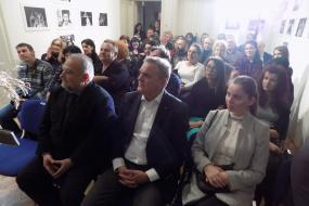 """Театарска постановка """"Страстите на Илија"""" во КИЦ на РМ во Софија (фотографија)"""