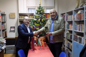 Средба на директорот на НУЦК Куманово, Сашо Тодоровски со заменик министерот за култура на Република Бугарија, Румен Димитров (фотографија)