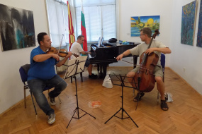 Симон Трпчески во КИЦ на РСМ во Софија(фотографиja)
