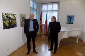 Специјалниот пратеник д-р Владо Бучковски во посета на КИЦ на РСМ во Софија (фотографија)