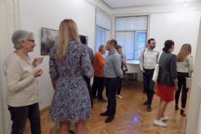 """Изложба """"Златната рипка и потомокот"""" на Михаела Јовановска (фотографија)"""