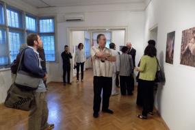 """Изложба """"Дел од мене"""" составена од фотографии и кратки видеозаписи на Ферди Булут и Дарко Талески (фотографија)"""
