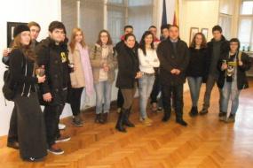 """Ученици и наставници од Средното уметничко училиште """"Лазар Личеноски"""" (снимка)"""