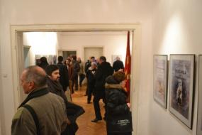 Ретроспективна изложба на плакати од настани (снимка)