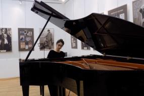 Пијанорецитал на Ана Гацева (снимка)