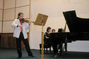 Момчило Куфојанакис-виолина и Весна Ангеловска-пијано, проект: Концерт (фотографија)