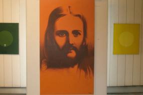 Национална галерија на Македонија, проект: Ретроспективна изложба на современиот сликар Новица Трајковски (фотографија)