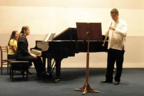 Доц.м-р Владимир Лазаревски и проф. д-р Милица Шкариќ, проект: Камерен концерт за пијано и обоа (фотографија)